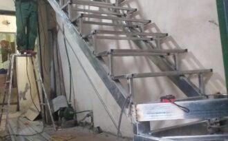 Làm cầu thang sắt tại Hà Nội