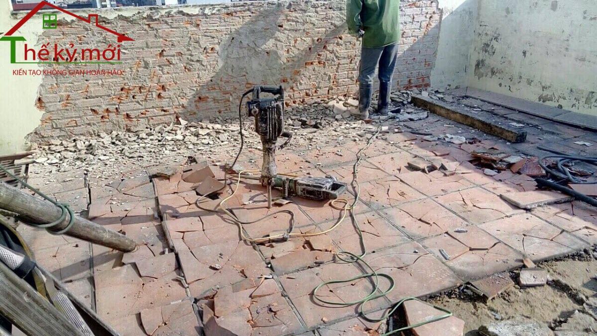 Chi phí phá dỡ tường tại Hà Nội